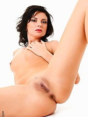 Sweet Flirt free striptease